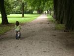 Kind auf dem Dreirad